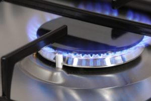 the-flame-of-gas-burner_zkkkjroo
